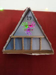 Maison de l'avent - Fenêtre de toit à balcon