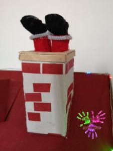 Maison de l'avent - Père Noël dans la cheminée
