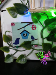 Maison de l'avent - Fenêtre aux oiseaux