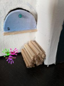 Maison de l'avent - Tas de bois