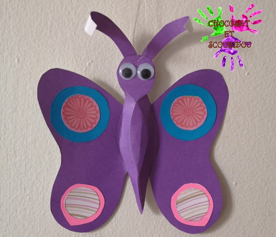 Papillon de papier en volume